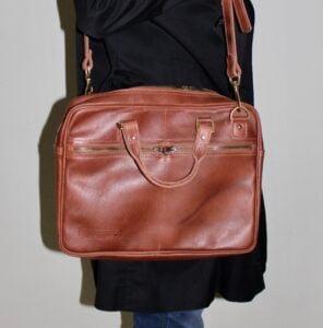 Maßgefertigte Notebook Tasche aus echtem Leder