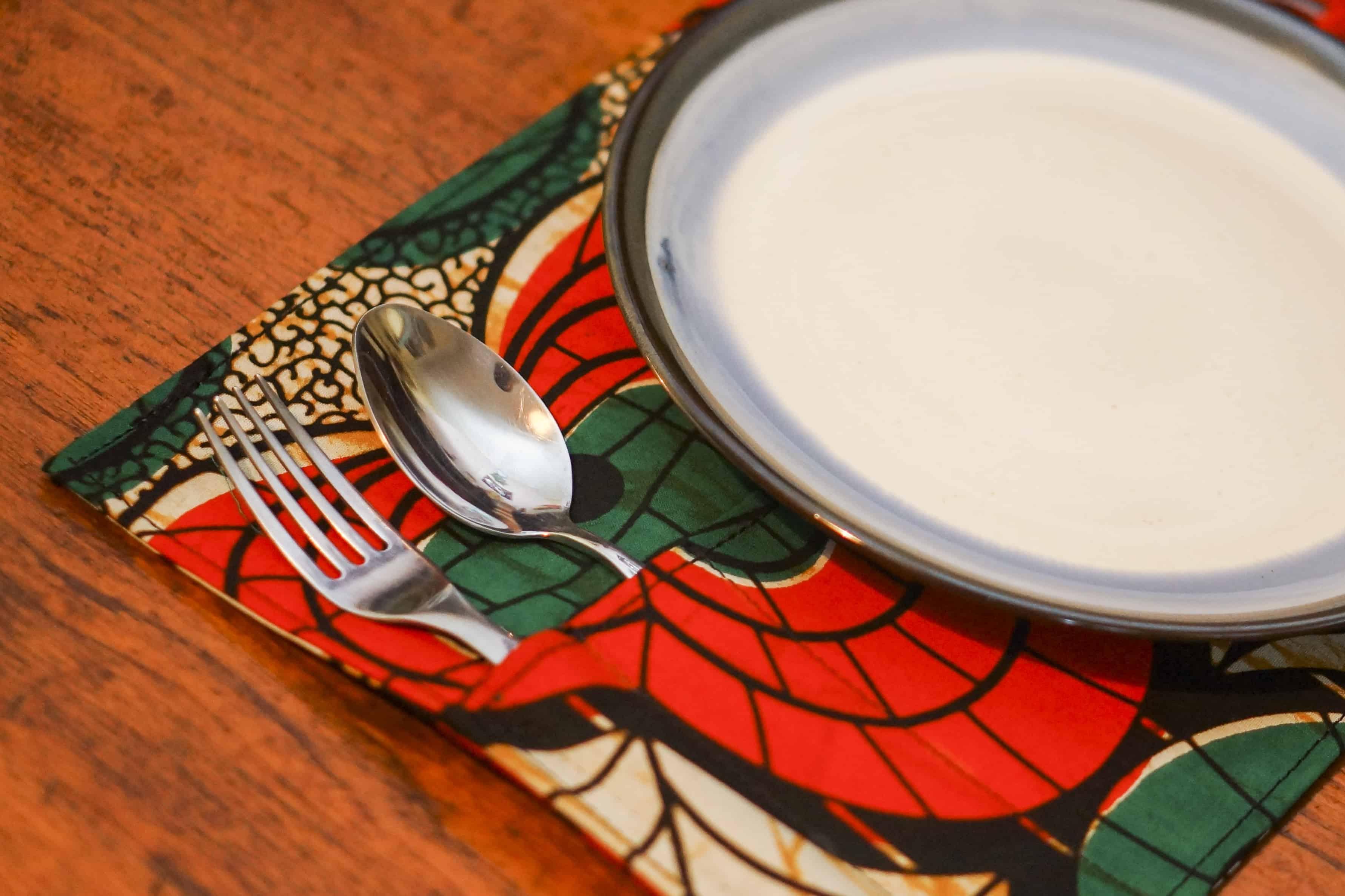 Custom made table cutlery sets