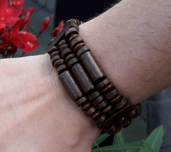 Hlzernes facettiertes Armband