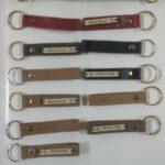 Maßgerfertigte Schlüsselringe waehrend der Massanfertigung