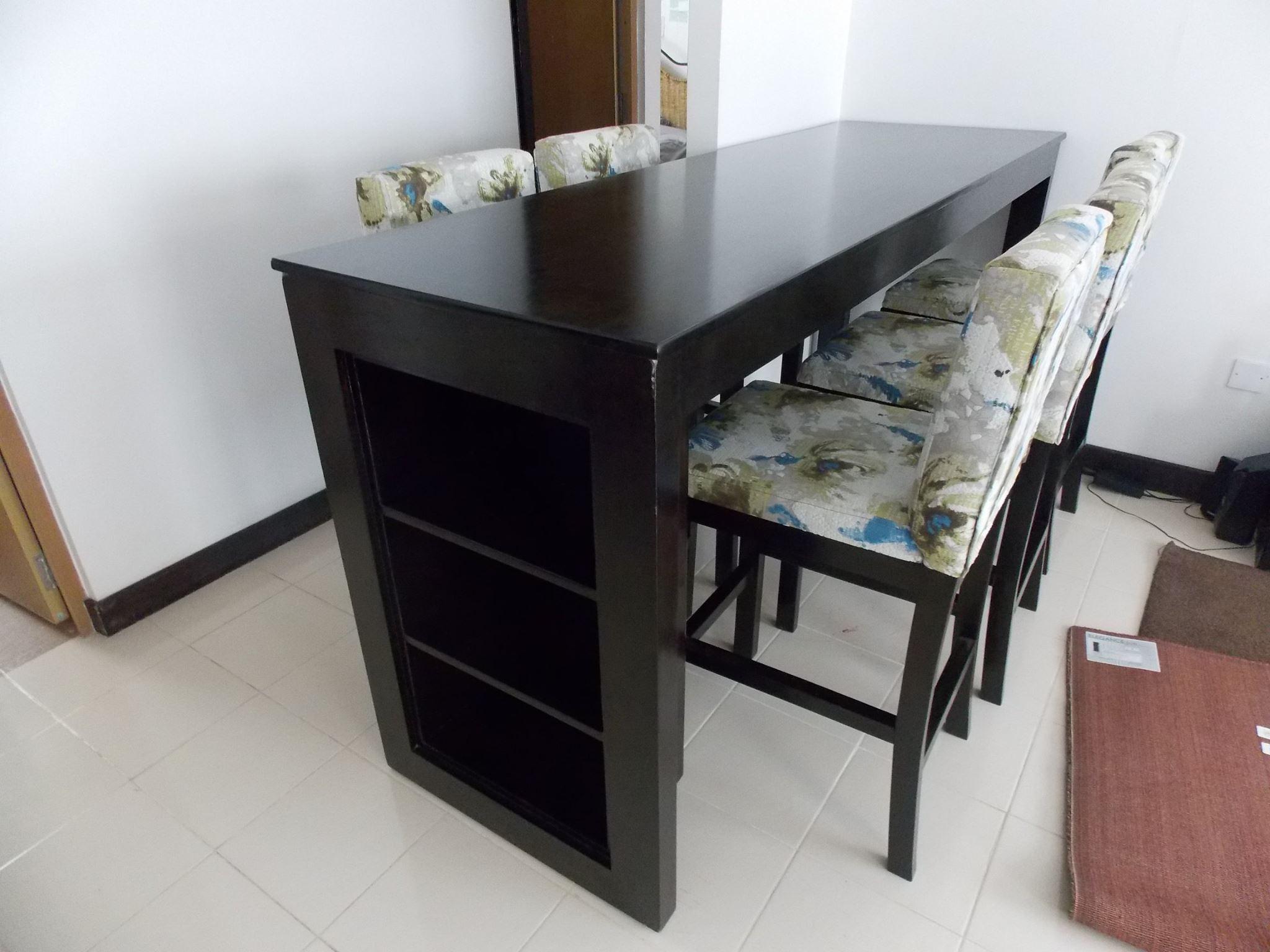 Familien-Esszimmer-Sets mit erstaunlicher Verarbeitung und Design Gutes Hhenverhltnis und gut ausgearbeitete ergonomische Eigenschaften