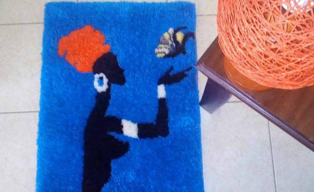 Dame & Schmetterling Teppich