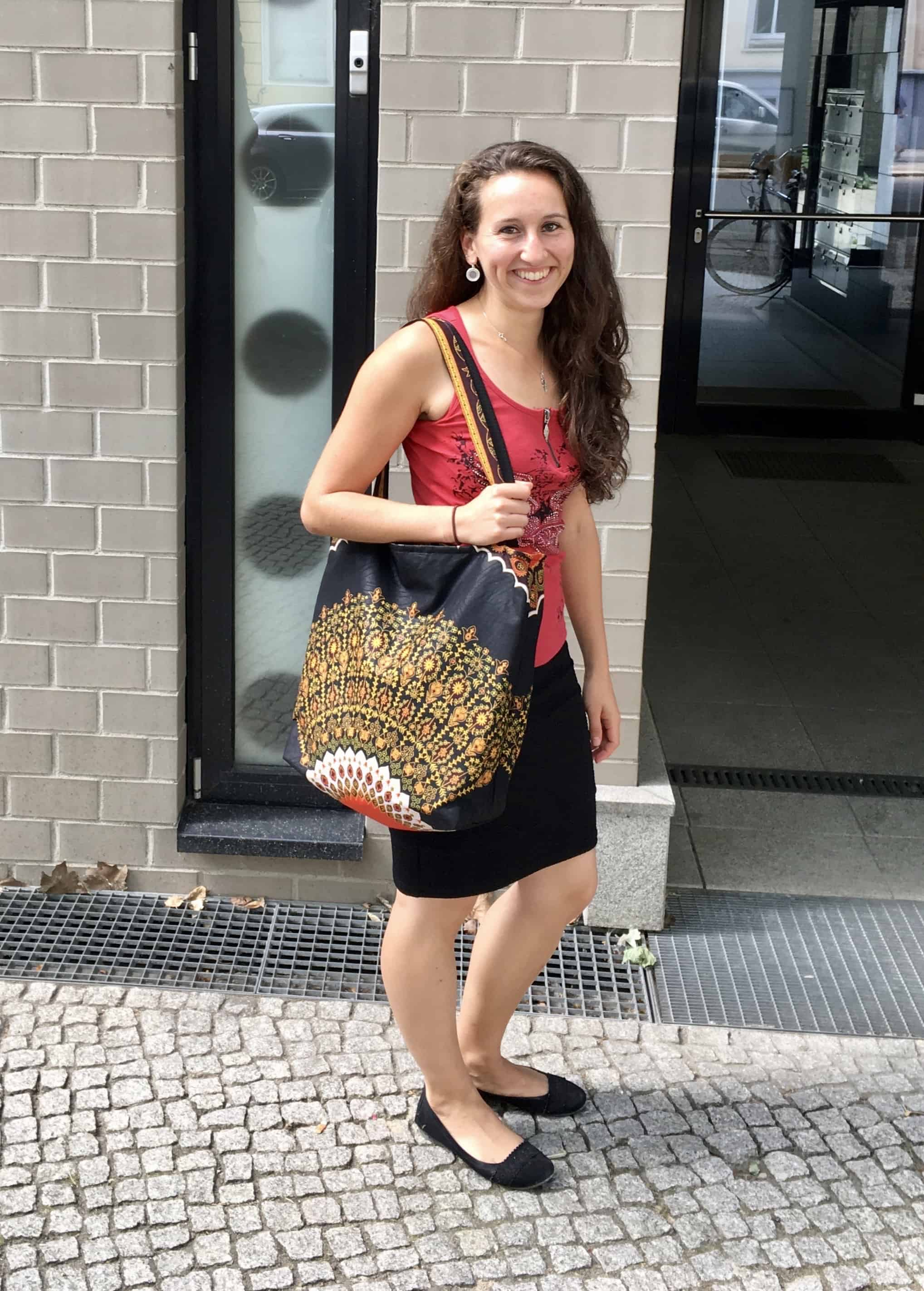 Custom made large handbag into which a 17 inch laptop fits