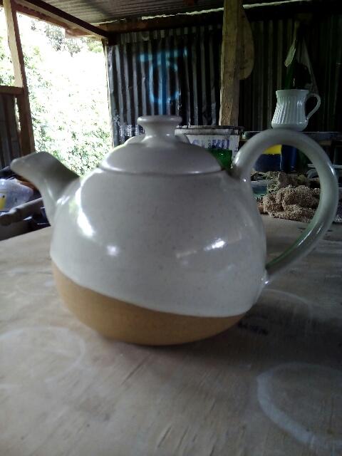 White halfdip teapot1 litre quantity