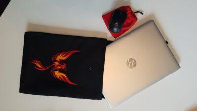 Maßgefertigte Laptop-Hülle und Maustasche Fotos vom Kunden