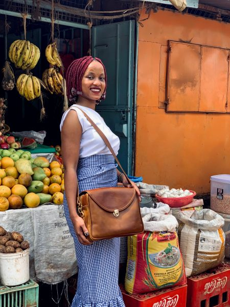 maßgefertigte diebstahlsichere Damenhandtasche