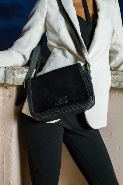 Maßgeschneiderte kleine Tasche - schwarzes Leder - Wildleder