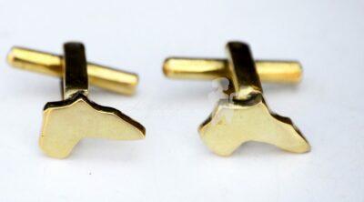 Custom made cufflinks within custom made realization