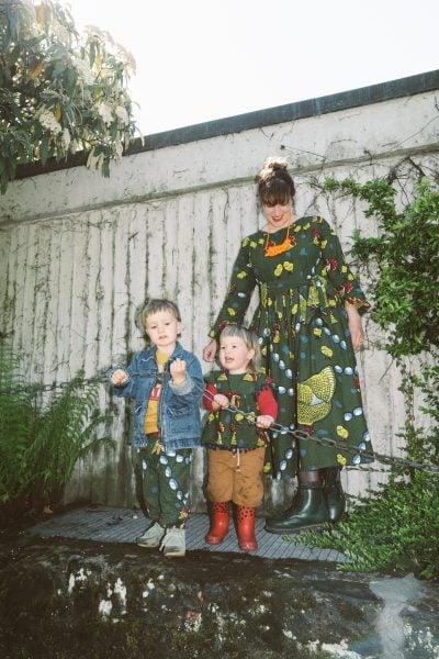 Zusammenpassende Outfits für Mama und Kinder
