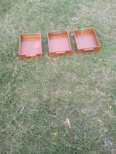 3 made-to-measure inserts for kitchen shelf within custom made realization
