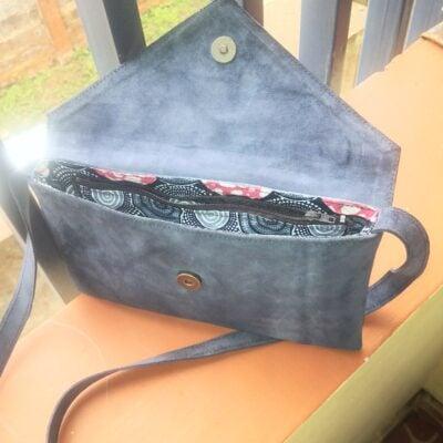 Custom made handbag within custom made realization
