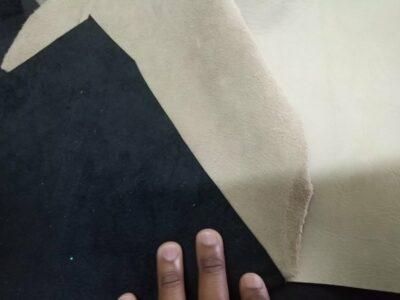 Maßgefertigtes Portemonnaie aus Leder, mit einem Münzfach waehrend der Massanfertigung